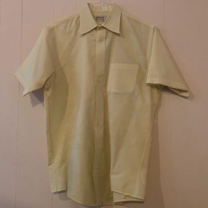 Arrow men's short sleeve dress shirt